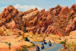 Il Grand Canyon, uno degli spettacoli naturalistici più belli al mondo....vivilo in sella ad una moto!
